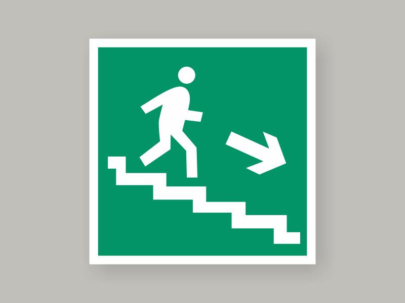 Табличка направление к эвакуационному выходу по лестнице вниз Е13